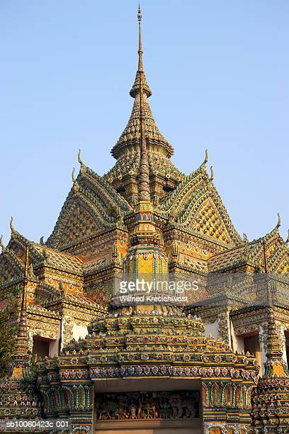 thailand, bangkok, wat po, temple of the reclining buddha - wat pho stock pictures, royalty-free photos & images