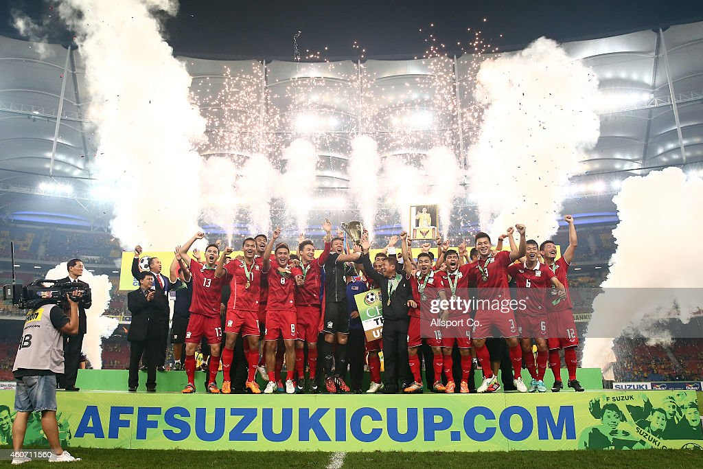 Thailand celebrates after they won the AFF Suzuki Cup by beating Malaysia 4-3 on aggregate during the 2014 AFF Suzuki Cup 2nd leg final match between Malaysia and Thailand at Bukit Jalil National Stadium on December 20, 2014 in Kuala Lumpur, Malaysia.