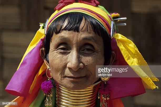 Thailand / Mae Hong Son / Nai Soi: padaung tribe woman - giraffe women or long necks