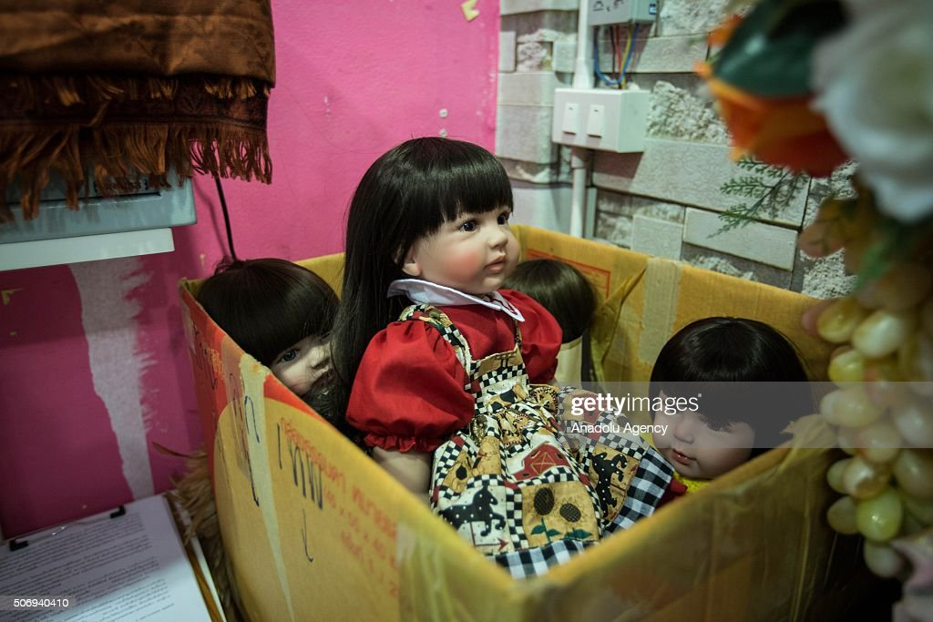 Thai authorities concerned about 'angel doll' fad : News Photo