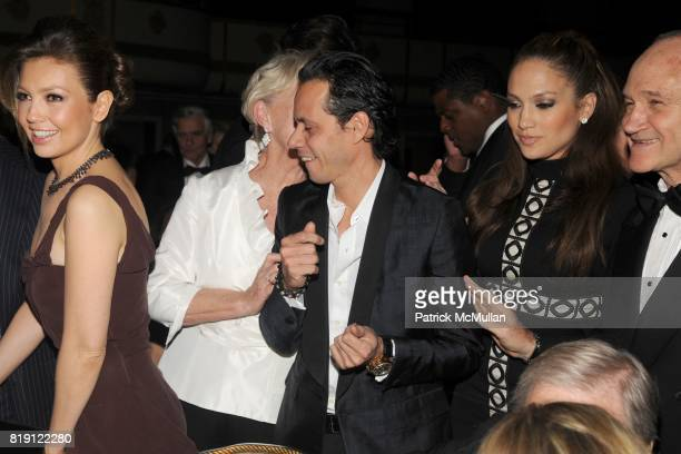 Thalia Veronica Kelly Marc Anthony Jennifer Lopez and Commissioner Raymond Kelly attend NEW YORK CITY POLICE FOUNDATION 32nd Annual Gala at...