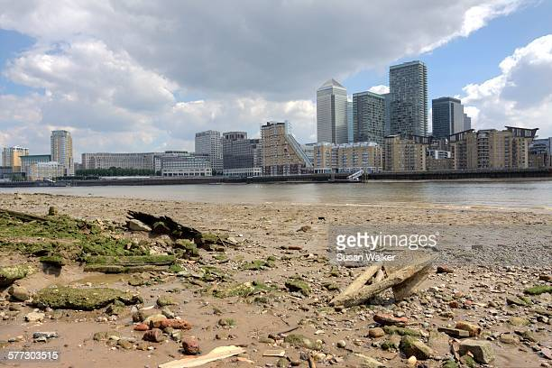 thames foreshore - low tide stock pictures, royalty-free photos & images