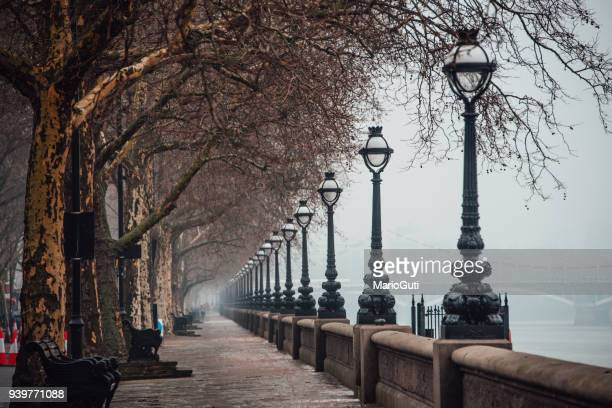 thames path - kensington and chelsea stock pictures, royalty-free photos & images