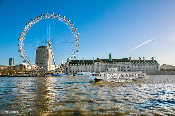 thames river and london eye - london eye stock pictures, royalty-free photos & images