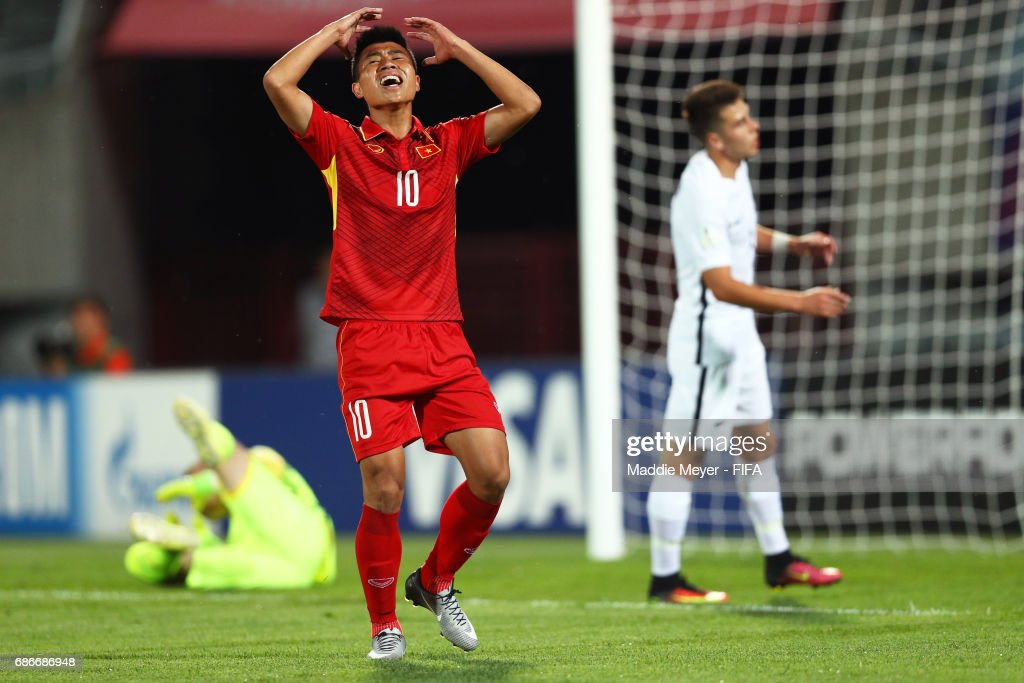 Thanh Binh Dinh of Vietnam reacts after missing a shot during the FIFA U-20 World Cup Korea Republic 2017 group E match between Vietnam and New Zealand at Cheonan Baekseok Stadium on May 22, 2017 in Cheonan, South Korea.