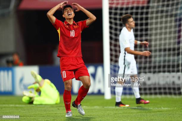 Thanh Binh Dinh of Vietnam reacts after missing a shot during the FIFA U20 World Cup Korea Republic 2017 group E match between Vietnam and New...