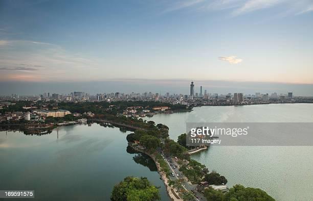 thanh nien road, west lake,truc bach lake in hanoi - ハノイ ストックフォトと画像