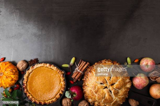 thanksgiving day traditional desserts background - thanksgiving holiday stock pictures, royalty-free photos & images