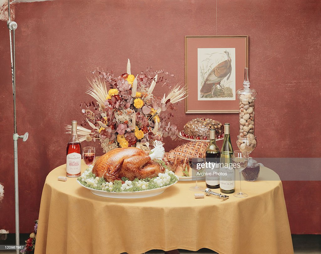Thanksgiving dinner set on table : News Photo