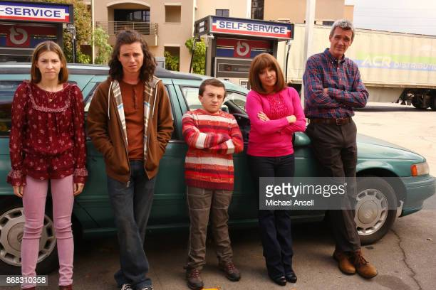 THE MIDDLE 'Thanksgiving IX' The Hecks take a hectic road trip for Thanksgiving to Frankie's sister's house but soon find themselves running into...