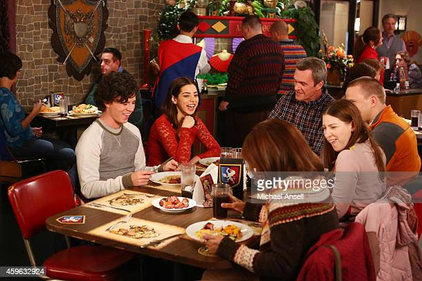 THE MIDDLE 'Thanksgiving VI' With the Heck house in disarray due to the kitchen sink hole and miniature dining room table Frankie suggests that the...