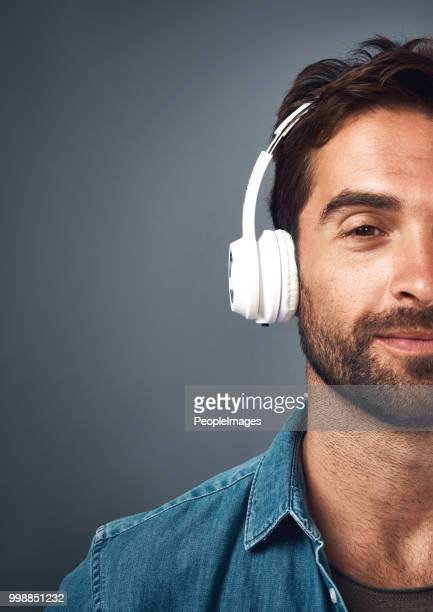 that one tune that puts you in the zone - headphones stock pictures, royalty-free photos & images