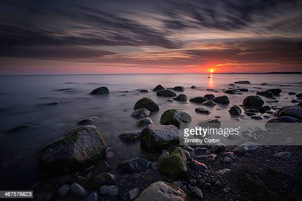 that time of day - lake ontario stock pictures, royalty-free photos & images