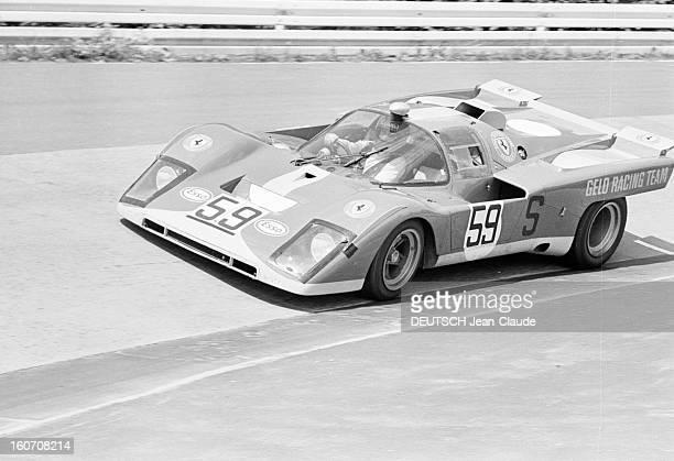 The 1000 Kms Of Nurburgring 1971 En Allemagne sur le circuit du Nürburgring la voiture FERRARI portant le numéro 59 de l'écurie GELO RACING de profil...