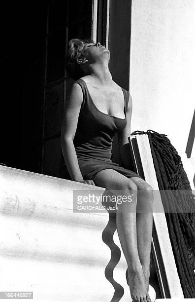 Brigitte Bardot Le 10ème Festival de Cannes 1957 se déroule du 2 au 17 mai Le 10ème Festival de Cannes 1957 se déroule du 2 au 17 mai attitude...