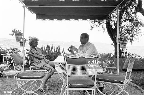 Martine Carol And ChristianJaque Le 11ème Festival de Cannes se déroule du 2 au 18 mai 1958 Martine CAROL et son mari CHRISTIANJAQUE fumant une...