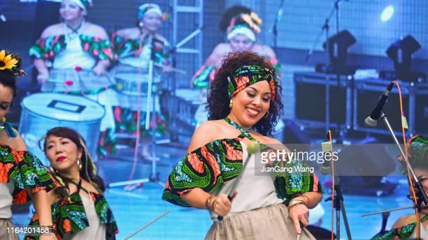 第14回フェスティバルブラジル - リオから東京へ - パーカッション・ミュージック・パフォーマンス - 代々木 ストックフォトと画像