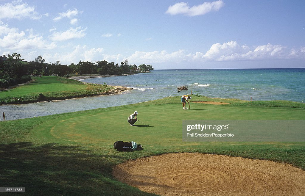 Tryall Golf Course - 15th Green : News Photo