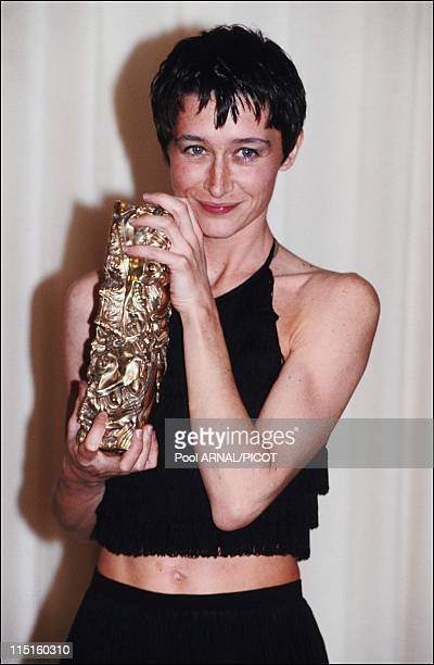 The 17 st Cesar awards in Paris France in February 1992 Anne Brochet Cesar for The Best Supporting Actress with Tout les matins du monde by Alain...