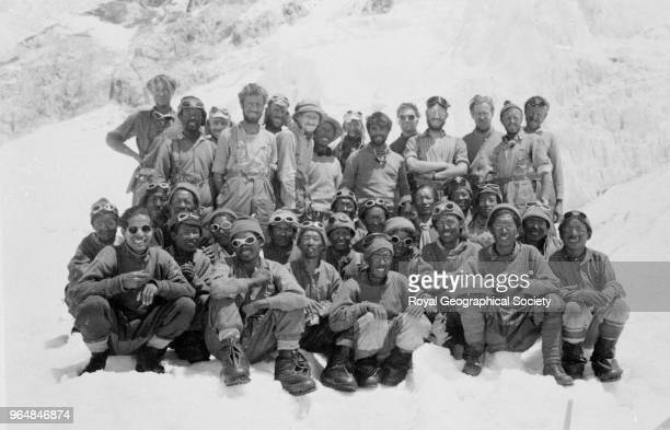 The 1953 Mount Everest team Members of the 1953 Mount Everest Expedition Back row Stobart Dawa Tenzing Evans Wylie Hillary Hunt Tenzing Lowe Ward...