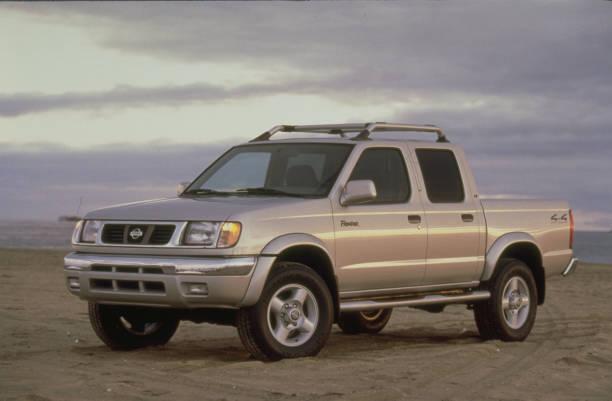 The 2000 Nissan Frontier Crew Cab 4 Door Light Pickup Truck Pictures