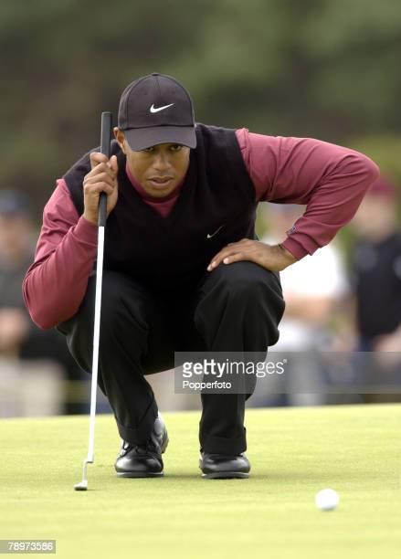 The 2002 British Open Golf Championship Muirfield Scotland 21st July 2002 Tiger Woods of the USA studies a puttCredit POPPERFOTO/DAVE JOYNER