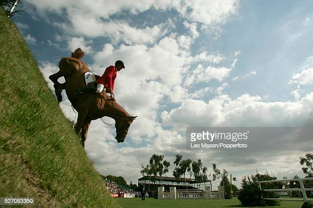 The 2005 British Jumping Derby Meeting: The DFS Derby Skip Two Ramiro/Chris Ellis jump THE DERBY BANK.