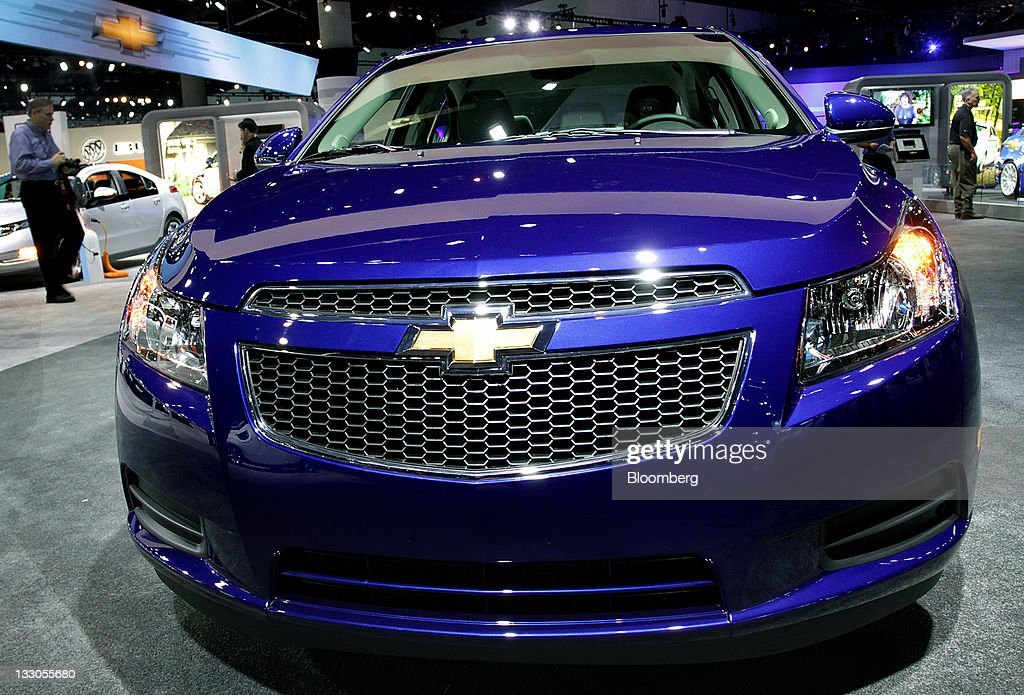Chevrolet Latest Models >> The 2012 General Motors Co Chevrolet Cruze Is Unveiled