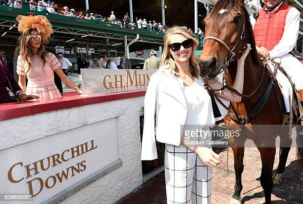 The 2016 Oaks First Lady Kate Upton attends the 2016 Kentucky Oaks at Churchill Downs on May 6 2016 in Louisville Kentucky