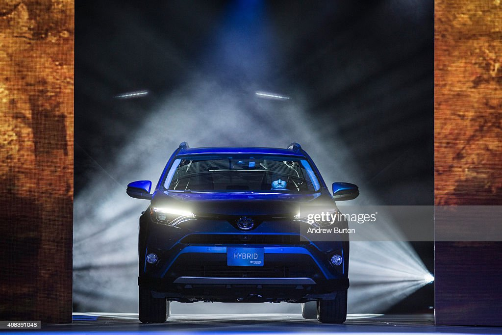 Automakers Showcase New Models At New York International Auto Show : News Photo