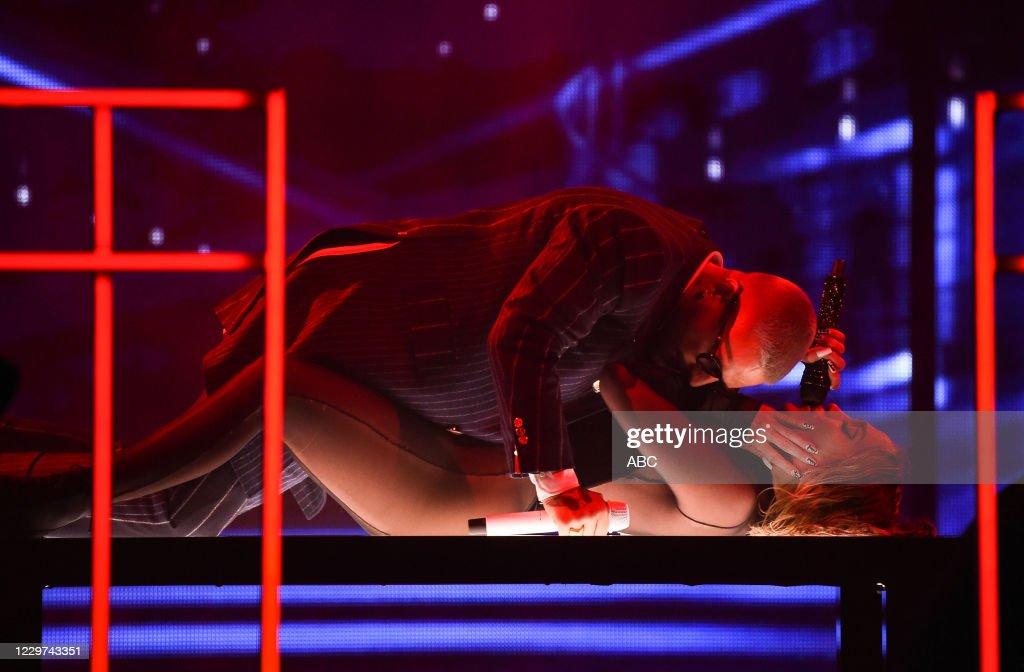 ABC's Coverage Of The 2020 American Music Awards : Nachrichtenfoto