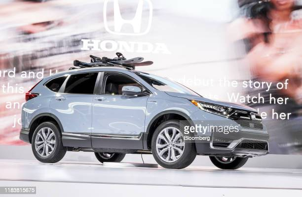 The 2020 Honda Motor Co. CR-V hybrid compact sports utility vehicle is displayed at the AutoMobility LA ahead of the Los Angeles Auto Show in Los...