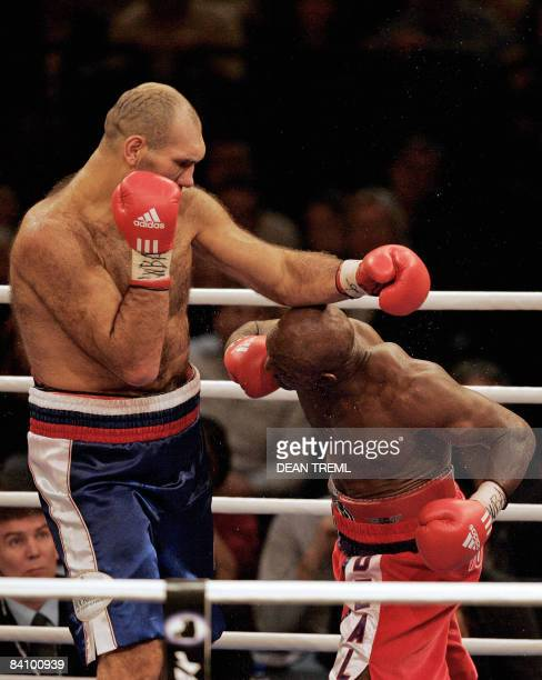 The 2.13 metre and 145 kg Russian giant Nikolai Valuev fights against 1.89 metre and 97kg Evander Holyfield of the USA in the WBA World Heavyweight...