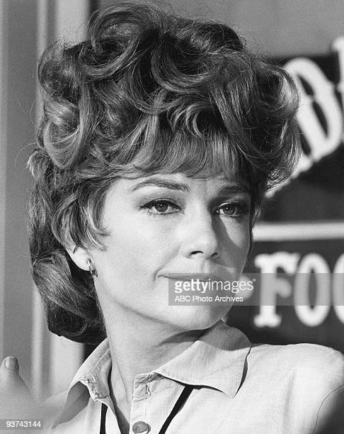 VALLEY 'The 25 Graves to Midas' 2/3/69 Anne Baxter