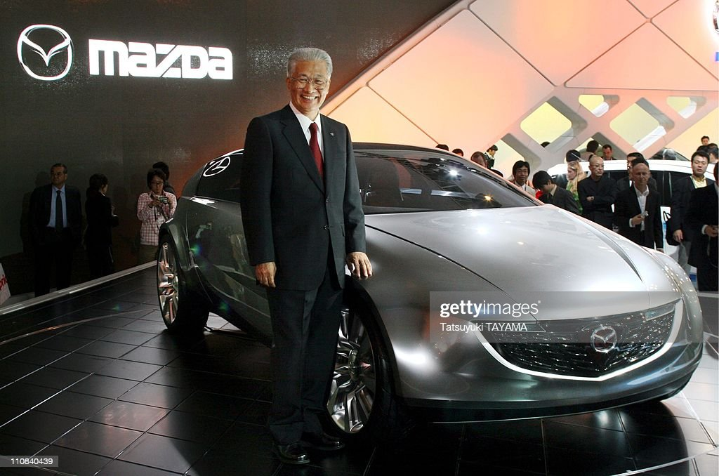 https://media.gettyimages.com/photos/the-39th-tokyo-motor-show-in-tokyo-japan-on-october-19-2005-mazda-picture-id110840439