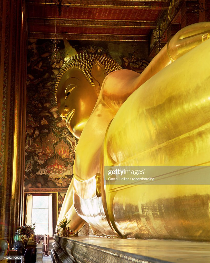 The 46m long statue of the Reclining Buddha, Wat Pho (Wat Po) (Wat Chetuphon), Bangkok, Thailand, Southeast Asia, Asia : ストックフォト