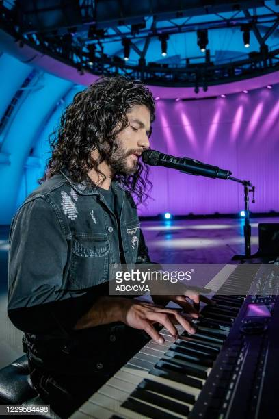 The 54th Annual CMA Awards, hosted by Reba McEntire and Darius Rucker aired from Nashvilles Music City Center, WEDNESDAY, NOV. 11 , on ABC. DAN + SHAY