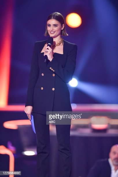 The 54th Annual CMA Awards, hosted by Reba McEntire and Darius Rucker aired from Nashvilles Music City Center, WEDNESDAY, NOV. 11 , on ABC. TAYLOR...