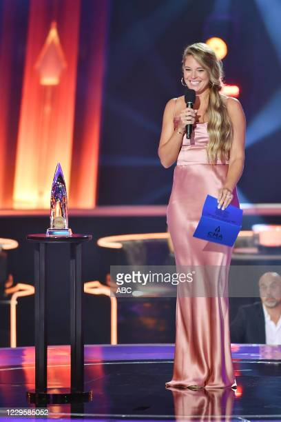 The 54th Annual CMA Awards, hosted by Reba McEntire and Darius Rucker aired from Nashvilles Music City Center, WEDNESDAY, NOV. 11 , on ABC. LAUREN...