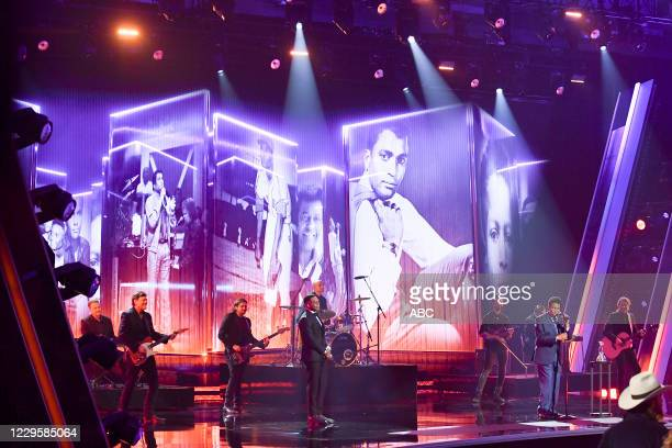 The 54th Annual CMA Awards, hosted by Reba McEntire and Darius Rucker aired from Nashvilles Music City Center, WEDNESDAY, NOV. 11 , on ABC. JIMMIE...