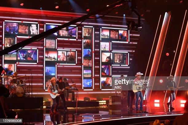 The 54th Annual CMA Awards, hosted by Reba McEntire and Darius Rucker aired from Nashvilles Music City Center, WEDNESDAY, NOV. 11 , on ABC. JON PARDI