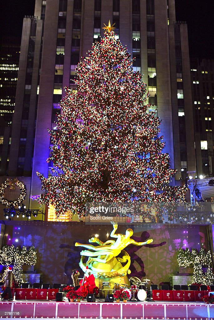 71st Annual Rockefeller Center Christmas Tree Lighting Ceremony ...