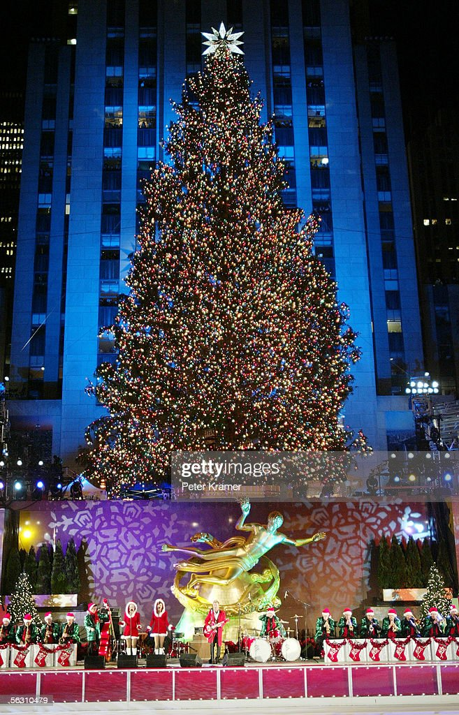 The 73rd annual Rockefeller Center tree lighting ceremony takes place November 30 2005 in New & 73rd Annual Rockefeller Center Tree Lighting Ceremony Photos and ... azcodes.com