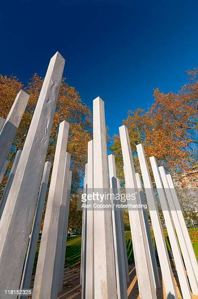 the 7th july memorial to victims of the 2005 bombings, hyde park, london, england, united kingdom, europe - alan copson stock pictures, royalty-free photos & images