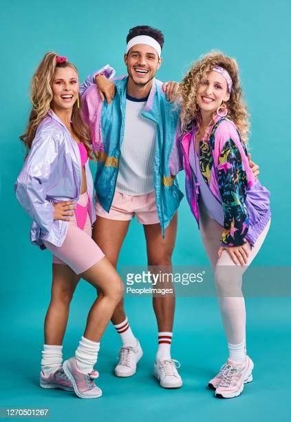 gli anni '80 sono stati uno dei decenni più eclettici della moda - anno 1980 foto e immagini stock