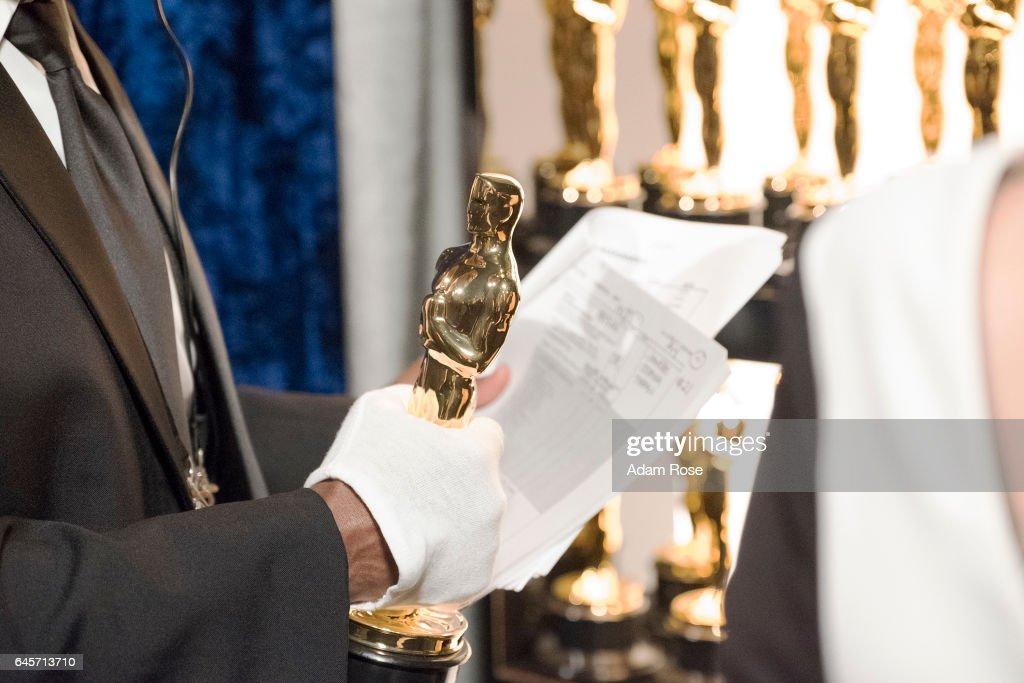 THE OSCARS(r) - The 89th Oscars(r) broadcasts live on Oscar(r) SUNDAY, FEBRUARY 26, 2017, on the ABC Television Network.