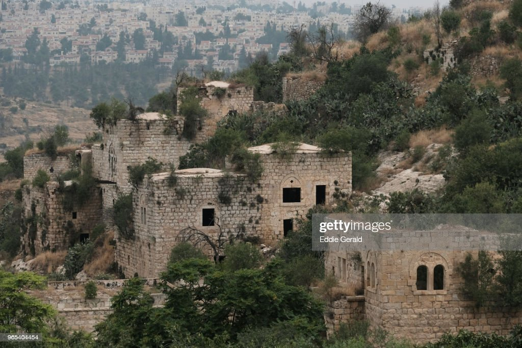 The abandoned Palestinian village of Lifta on the outskirts of Jerusalem : Stock Photo