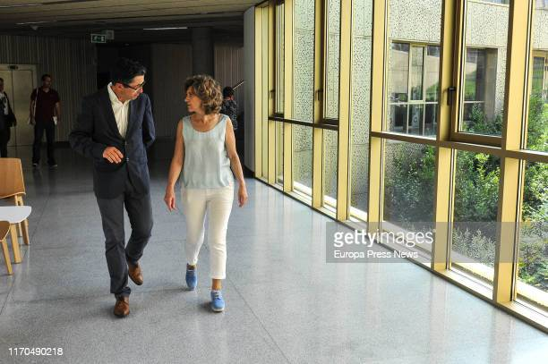 The acting minister of Health Consumer Affairs and Social Welfare María Luisa Carcedo and the general director of the Basque Culinary Center Joxe...