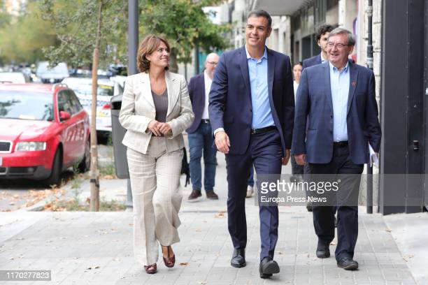 The acting minister of Justice Dolores Delgado the acting president of the Government Pedro Sánchez and the Historical Memory Executive of the CEF...