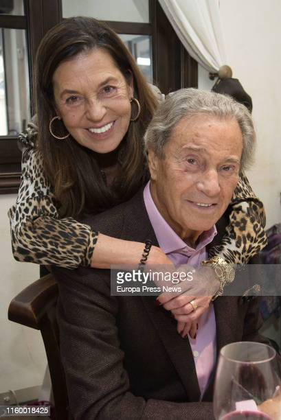 The actor Arturo Fernández is seen with his wife Carmen Quesada in 2017 in Madrid Spain